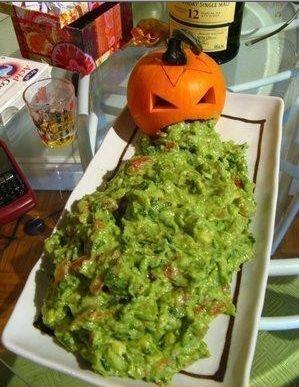 Halloween guacomile